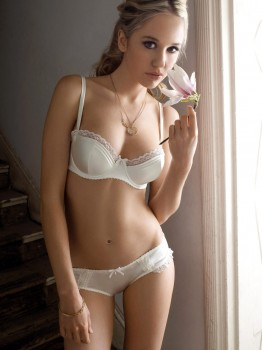 Knickerbox' Eternity Bra in Ivory