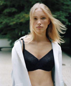 Kim van der Laan Chantelle